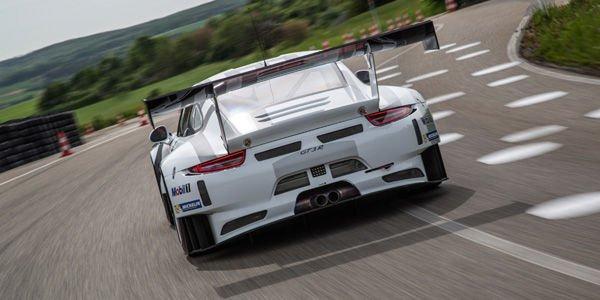 La nouvelle Porsche 911 GT3 R entre en piste