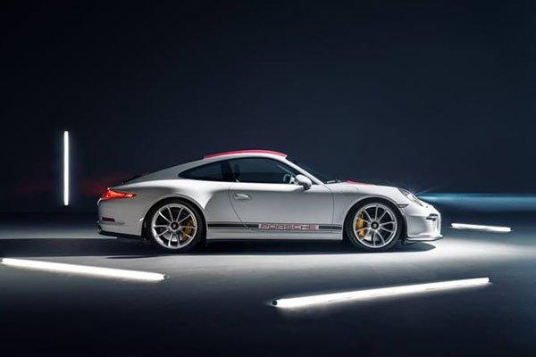 La Porsche 911 R lancée à plus de 300 km/h sur l'Autobahn