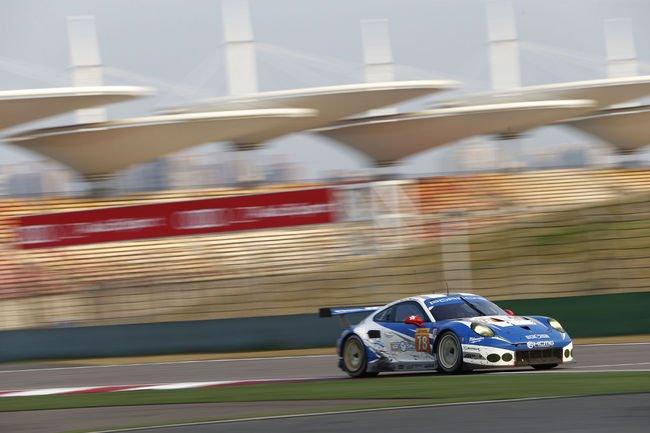 Un teaser pour la nouvelle Porsche 911 RSR