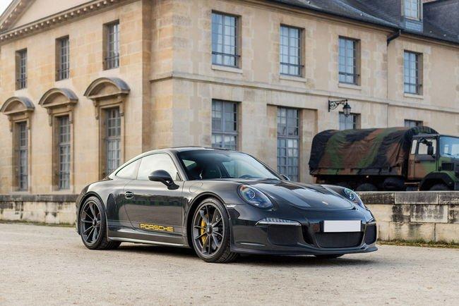 Une Porsche 911 R unique aux enchères RM Sotheby's