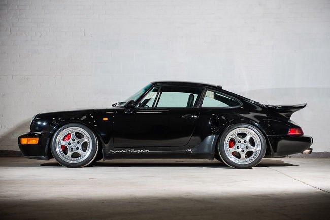 Silverstone Auctions : Porsche 911 Turbo S Leichtbau 1993