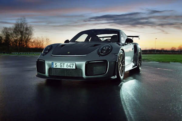 Porsche Top 5 : focus sur la Porsche 911 GT2 RS