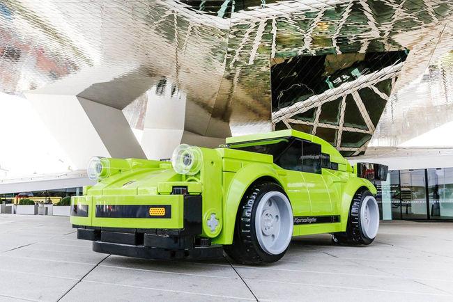 Lego : une Porsche 911 Turbo grandeur nature à Stuttgart