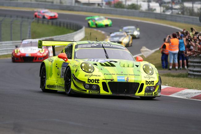 Nürburgring : la pole de Vanthoor (Porsche) en vidéo