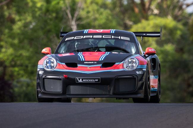 Mark Webber et la Porsche 911 GT2 RS Clubsport en piste à Bathurst