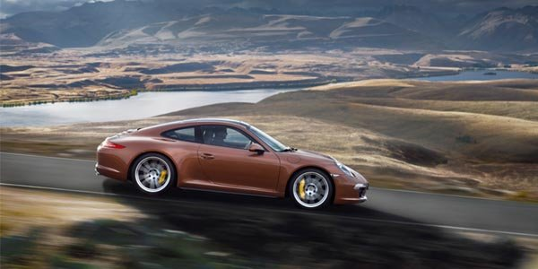 Porsche filme ses Carrera 4