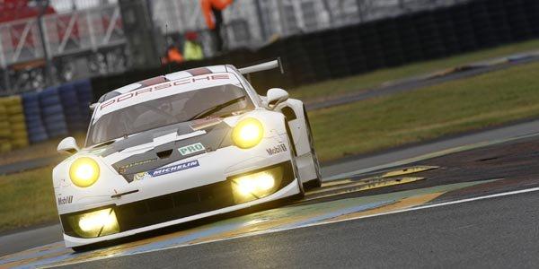 Porsche dans les roues d'Aston Martin
