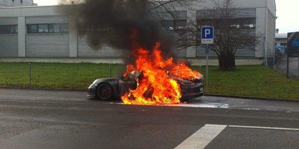 Porsche stoppe les livraisons de la GT3