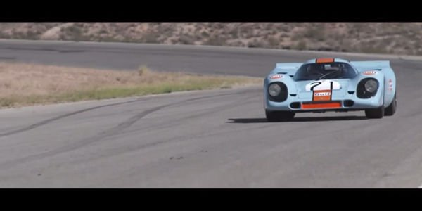 Une Porsche 917 en action à Willow Springs