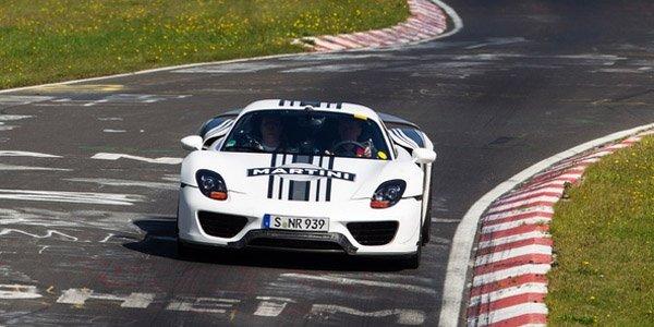 Walter Röhrl au volant de la Porsche 918