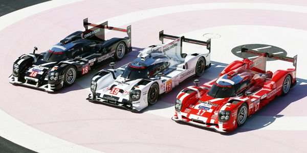 une porsche 919 hybrid aux ench res actualit automobile motorlegend. Black Bedroom Furniture Sets. Home Design Ideas