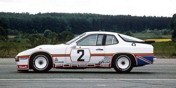 Une Porsche 924 Le Mans en restauration