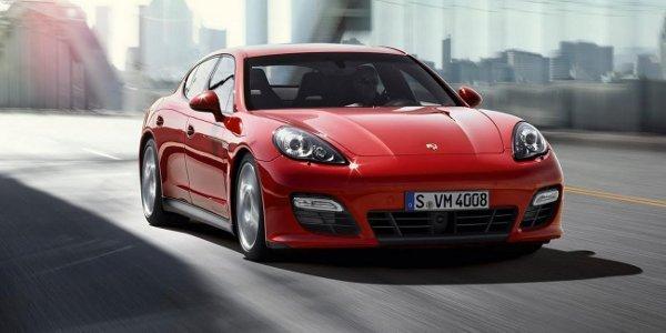 Une berline Porsche tueuse de Ferrari ?