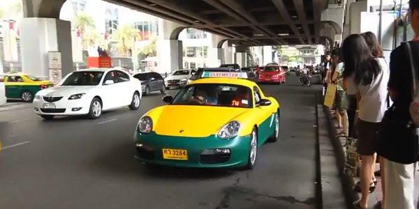 La Porsche Boxster se transforme en taxi
