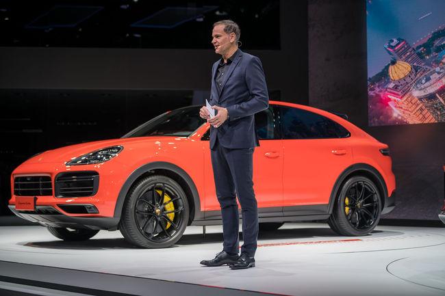Shanghai : première sortie publique pour le Porsche Cayenne Coupé
