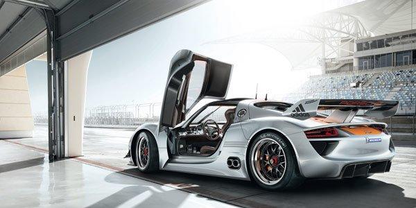 Une Porsche hybride à Genève