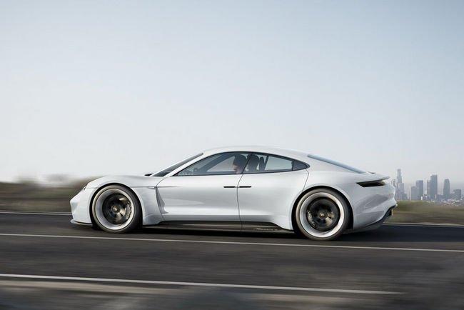 Porsche Mission E : 20.000 unités par an