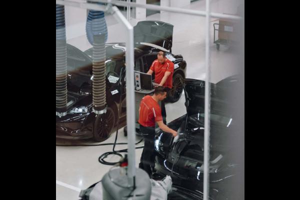 Porsche Mission E : nouvelles images