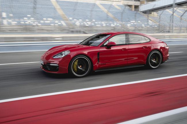Porsche Panamera GTS et Panamera GTS Sport Turismo