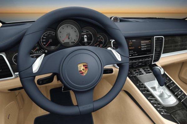 porsche panamera l 39 int rieur d voil actualit automobile motorlegend. Black Bedroom Furniture Sets. Home Design Ideas