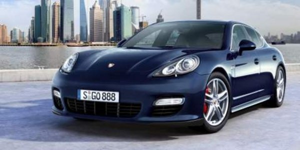 porsche panamera la voiture de l 39 ann e actualit automobile motorlegend. Black Bedroom Furniture Sets. Home Design Ideas