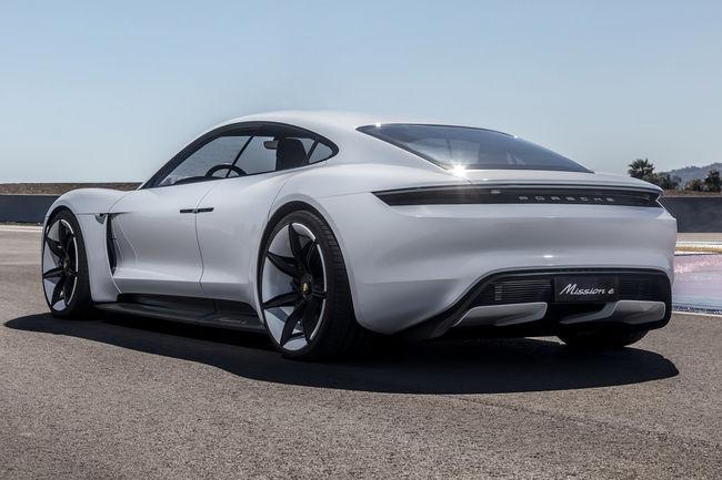 Porsche en dit plus sur la future Taycan