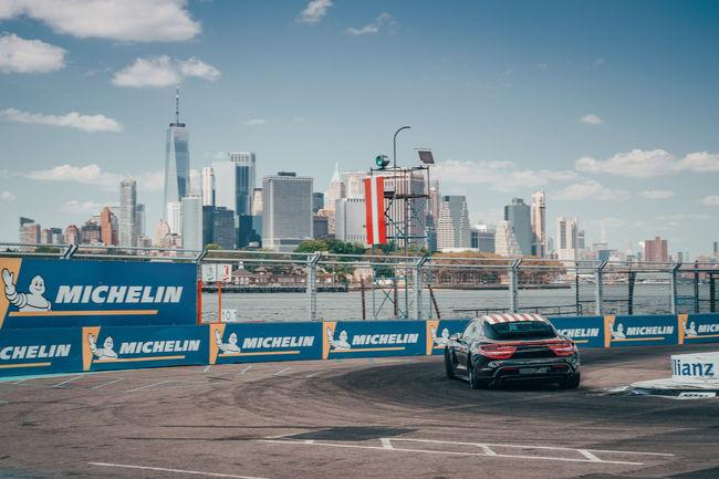 Le Porsche Taycan boucle sa tournée promotionnelle