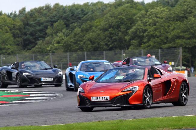Parade record pour McLaren à Silverstone Classic