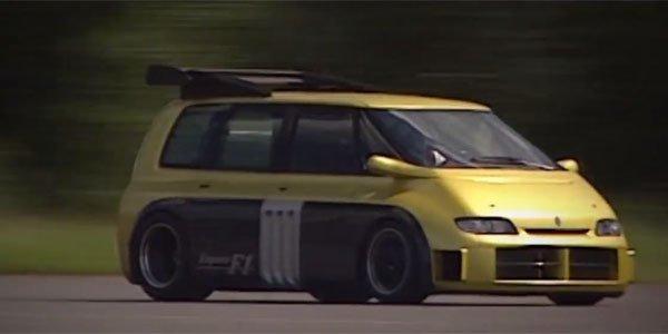 Souvenir : le Renault Espace F1 en piste