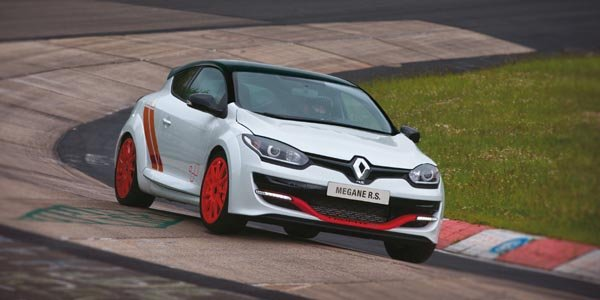 La Mégane RS 275 Trophy-R en 7'54.36 sur le Ring