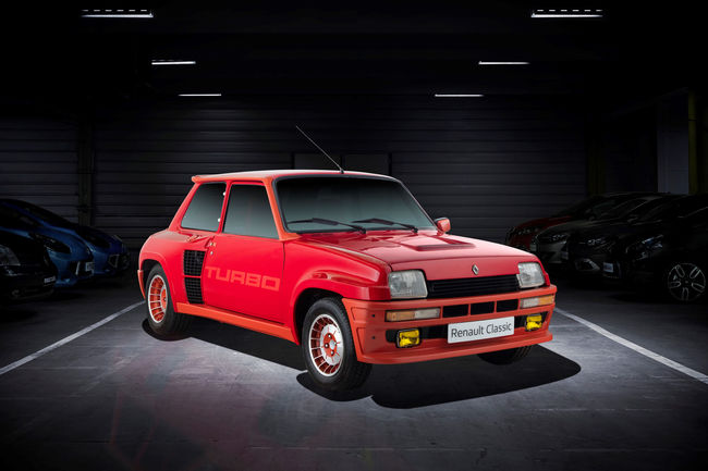 Renault Classic met le Turbo à Rétromobile