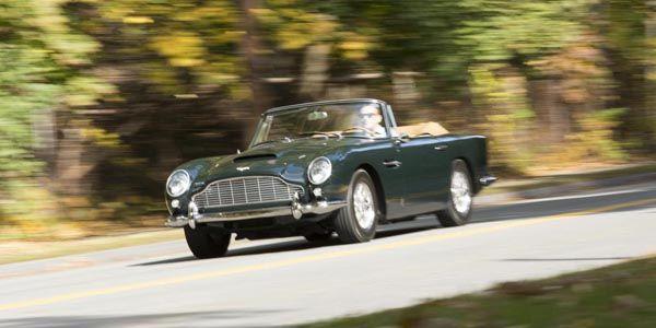 Bonhams : deux Aston Martin cabriolet à Rétromobile