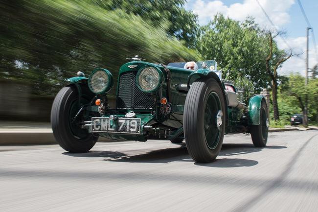 Rétromobile : deux Aston Martin sur la vente Bonhams