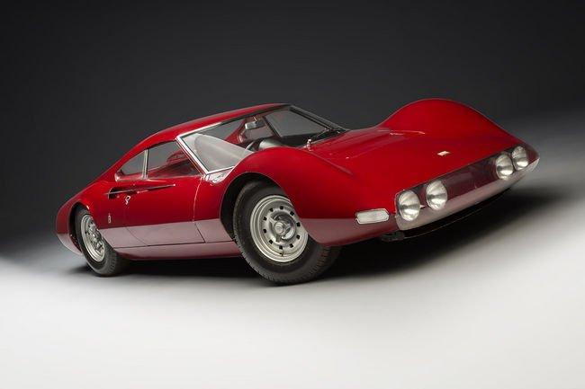 Une Ferrari Dino brille sur la vente Artcurial à Rétromobile