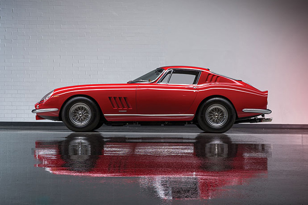 RM Sotheby's : incroyable collection Ferrari à Monterey