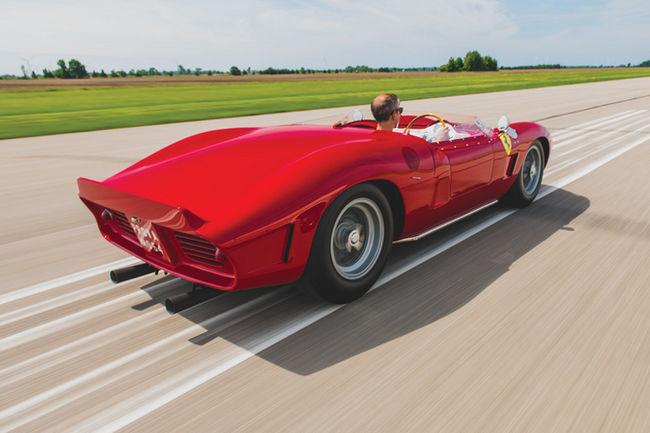 RM Sotheby's : beau plateau Ferrari à Monterey