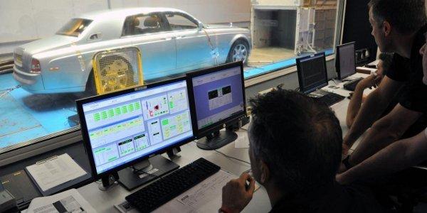La Rolls-Royce 102EX subsiste