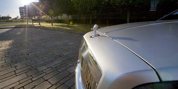 Le futur SUV Rolls-Royce se dévoile peu à peu