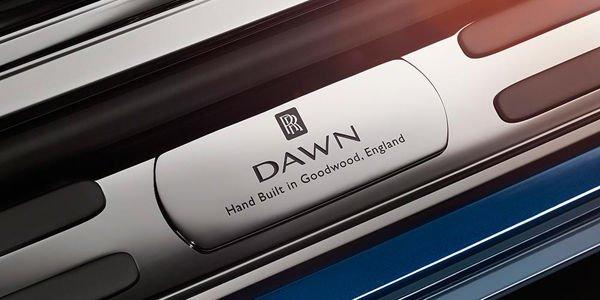 Rolls-Royce Dawn : premières images