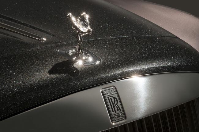Rolls-Royce Ghost Élégance : une peinture en diamants