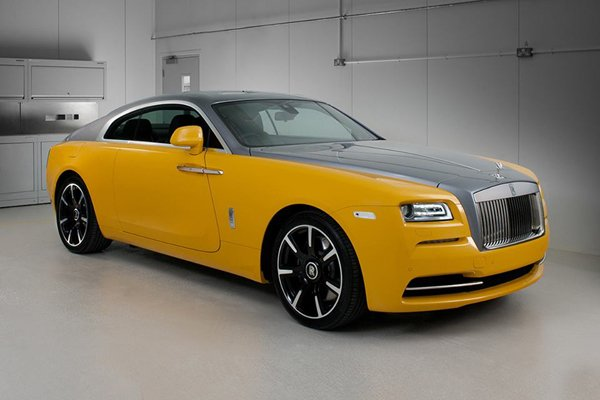 Bespoke : Rolls Royce Wraith Golden Yellow