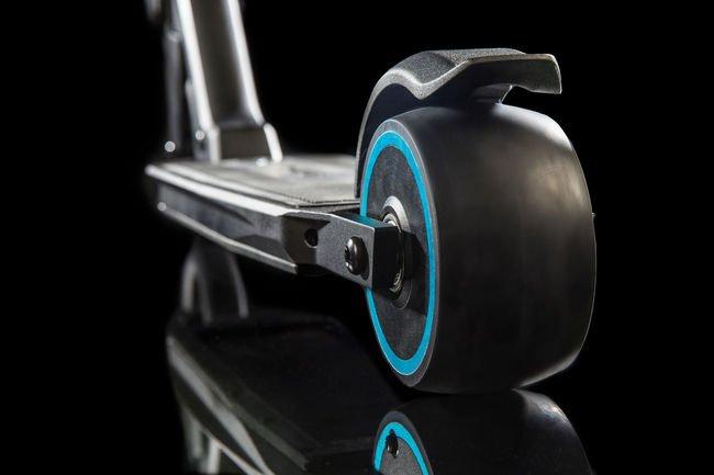 Peugeot présente la trottinette électrique e-Kick