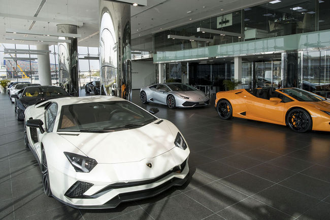Lamborghini inaugure son plus grand showroom à Dubaï