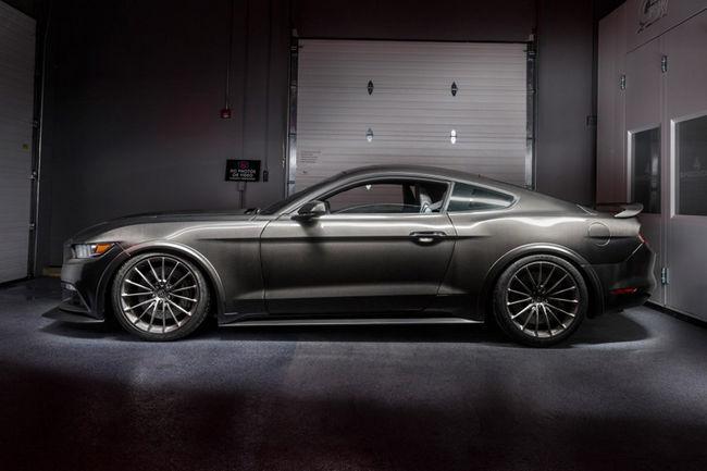 Préparation : carrosserie en carbone par SpeedKore