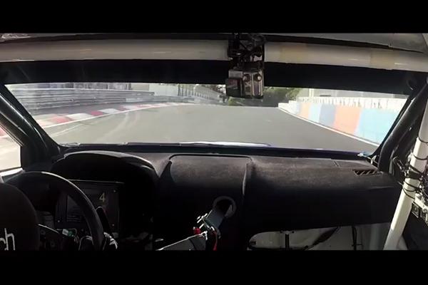 Subaru WRX STI sur le Nürburgring : la vidéo du record