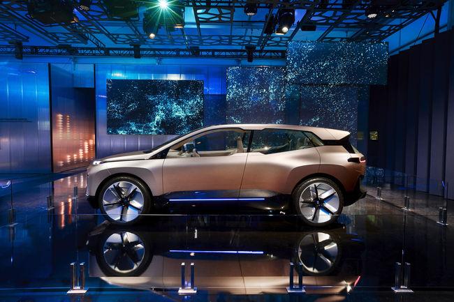 Un volant polygonal pour le futur SUV BMW iNEXT