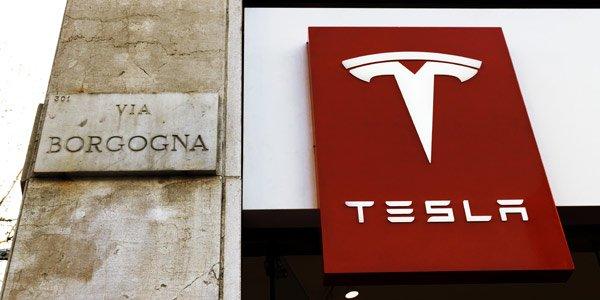 Tesla arrive à Milan