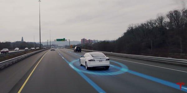 La fonction Autopilot expliquée par Tesla