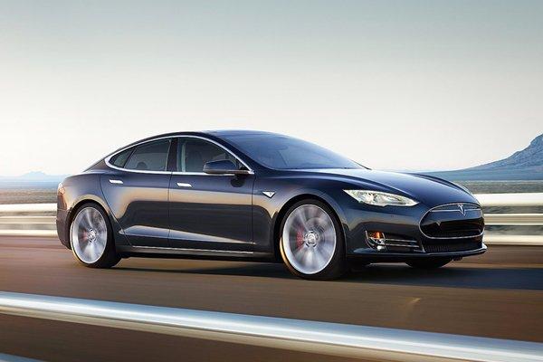 Tesla revoit son entrée de gamme avec la Model S 60