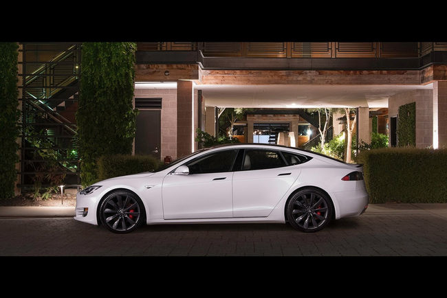 Tesla : la Model S bientôt sur le Nürburgring
